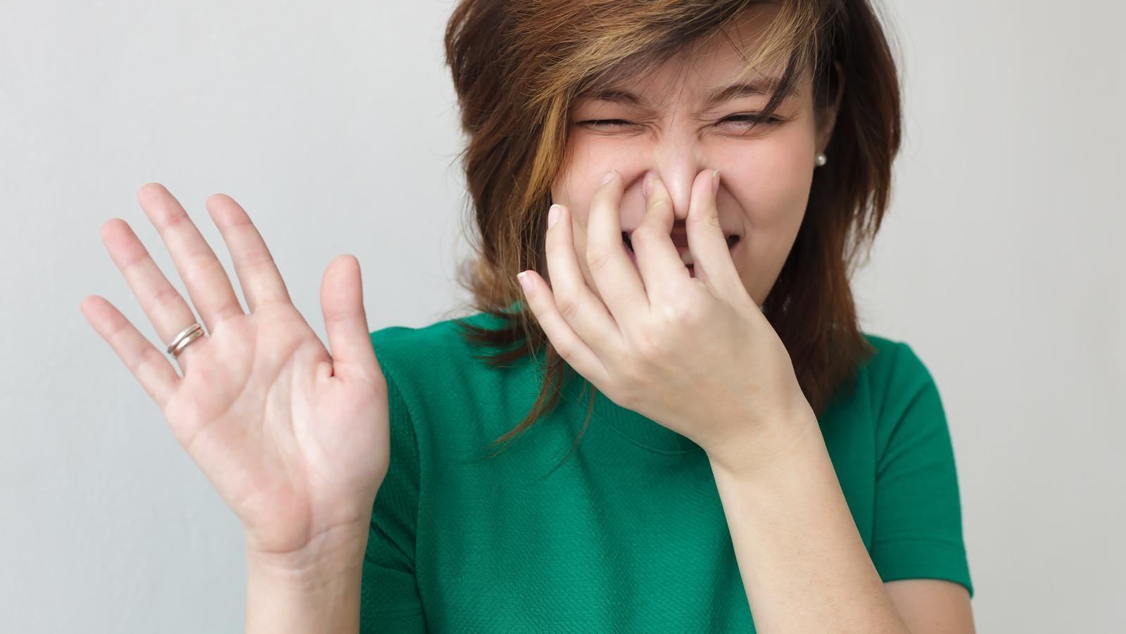 gyomorfájás a szájtól rossz szag
