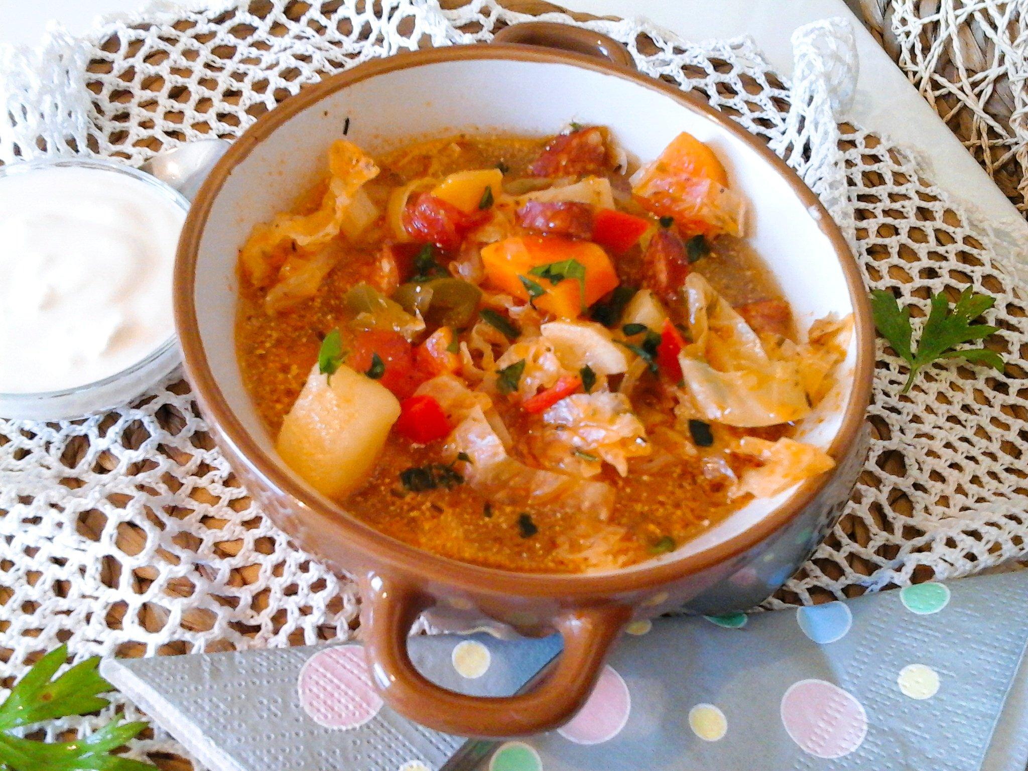 kelkáposzta leves kolbásszal)